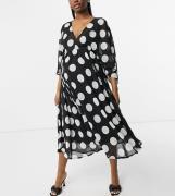 Queen Bee - Midaxi-kjole med trompetærmer i mono-polkaprikket print - Kun hos ASOS-Multifarvet